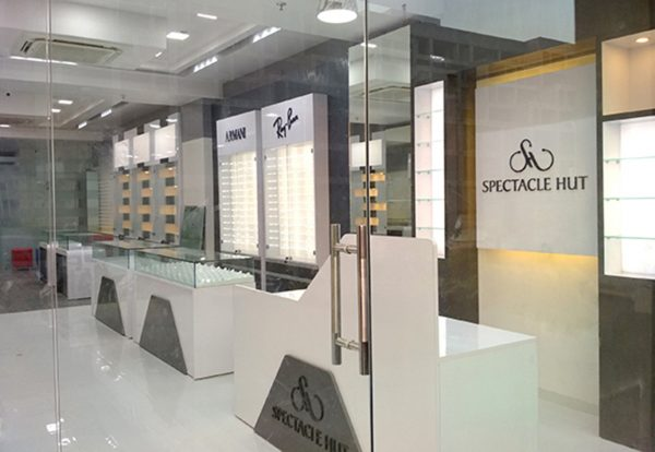Latest optical showroom design