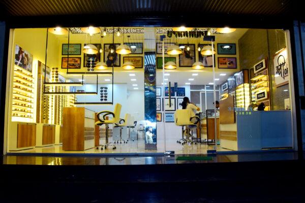 modern optical shop design