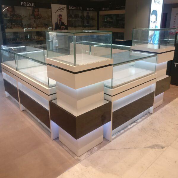 watch kiosk mall