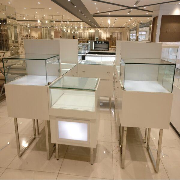 watch shop display